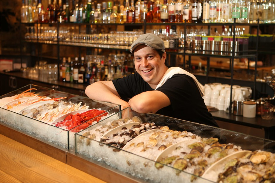 Constant Mentzas, Best Montreal Chef, Greek, Raw, Lobster, oyster..Meilleur Chef, Montréal, Grec, Restaurant, cru, homard, huîtres, vieux Montréal
