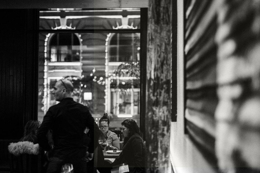 ....Located in old Montreal, Ikanos is the best greek mediterranean restaurant in Montreal. It serves the best fish and seafood in Montreal. .. Situé dans le vieux Montréal, Ikanos est le meilleur restaurant grec méditerranéen de Montréal. On y sert les meilleur poissons et fruits de mer de Montréal. ....