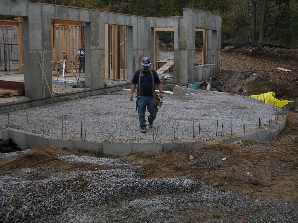 10 19 07 Carpenter Tom on site.jpg