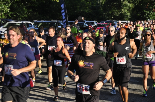2016 AMBER ROOM RUN FROM THE SUN 5K - Photos by Les Madaus