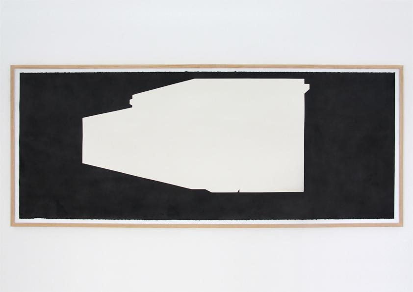 A Percepção Requer Participação Vista da Obra na Bloco103 [Lisboa] Técnica Mista [Acrílico e Pó de Grafite] sobre Papel 113 x 300 cm 2012
