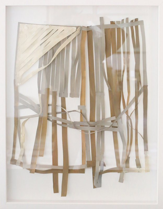 Joana Rá Por debaixo do tapete Técnica mista sobre papel 61 x 47 cm 2015