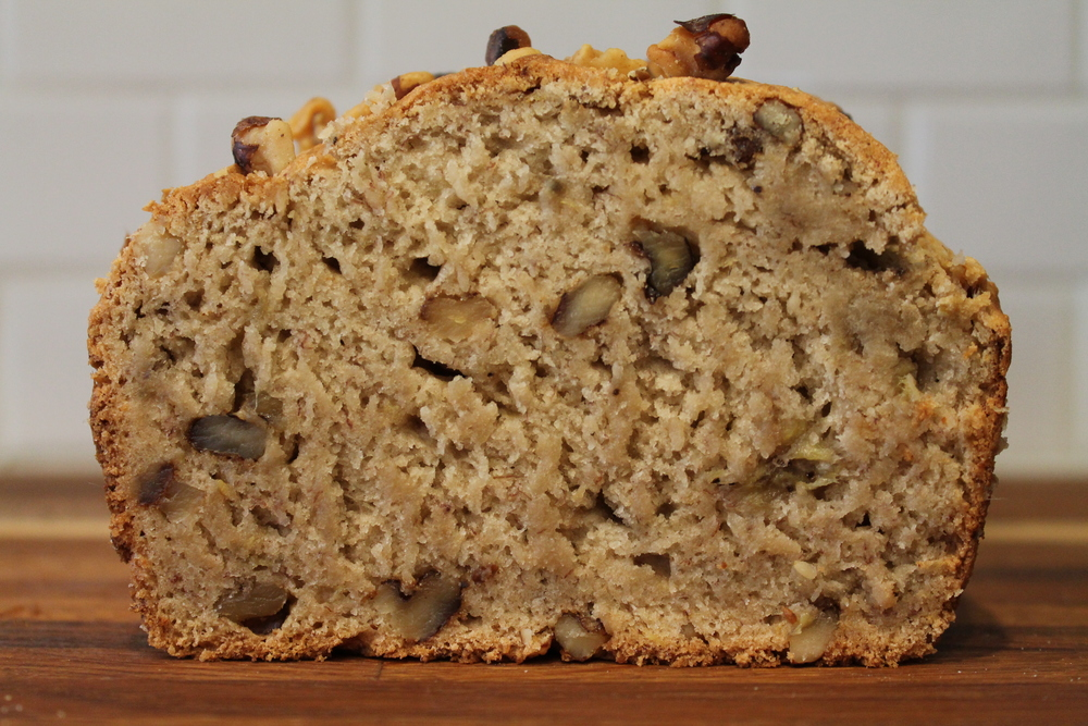 Gluten-free and Vegan Banana Bread by www.fernsandpeonies.com Where alternative diets turn delicious.