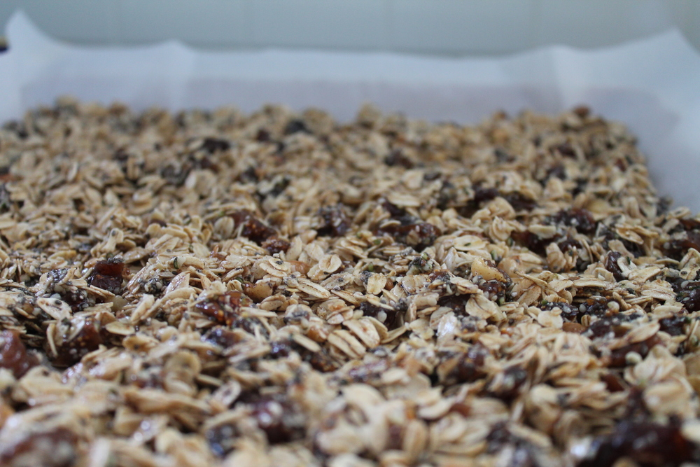 Gluten-free, vegan and refined sugar-free Fig & Apricot Mediterranean Granola recipe from Ferns & Peonies. Find this gluten-free and vegan recipe and more at www.fernsandpeonies.com