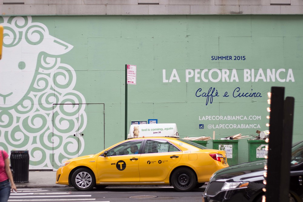 la pecora bianca taxi yellow cab new york.jpg