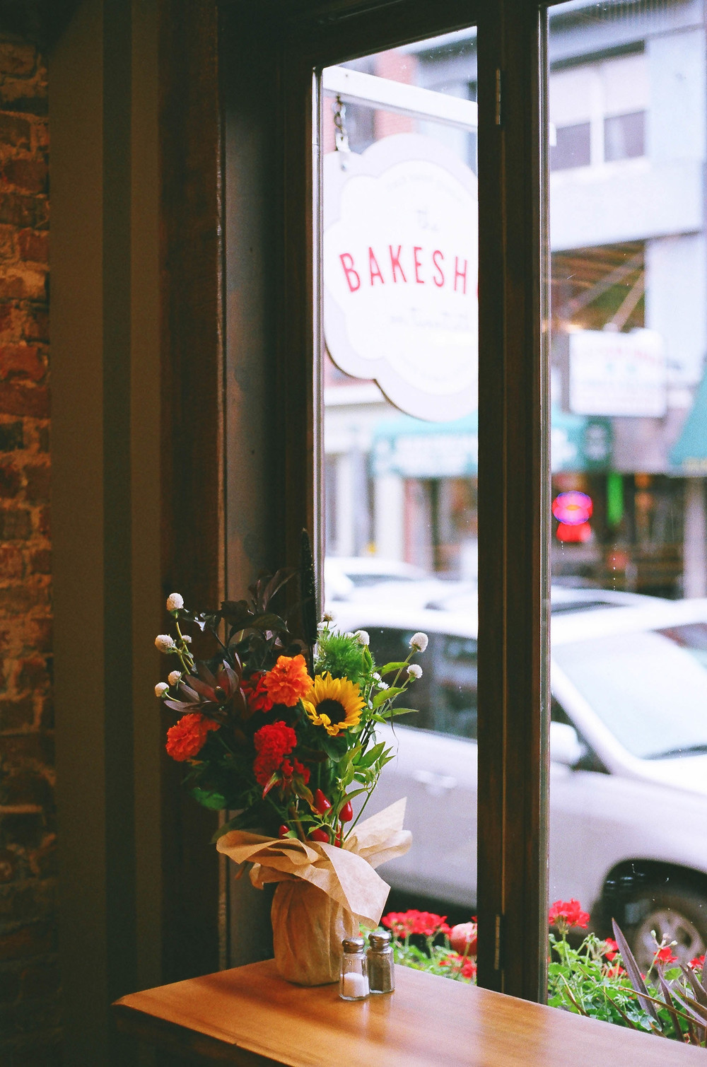 philadelphia bakeshop twentieth flowers autumn windows midtown village korrelatik.jpg