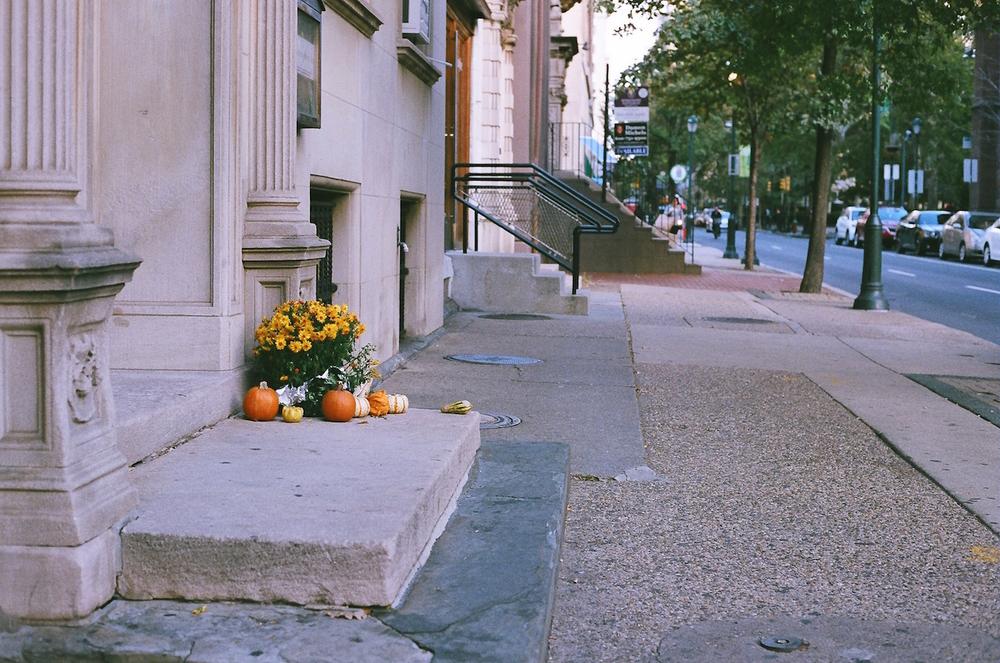 philadelphia midtown village fitler square halloween korrelatik.JPG