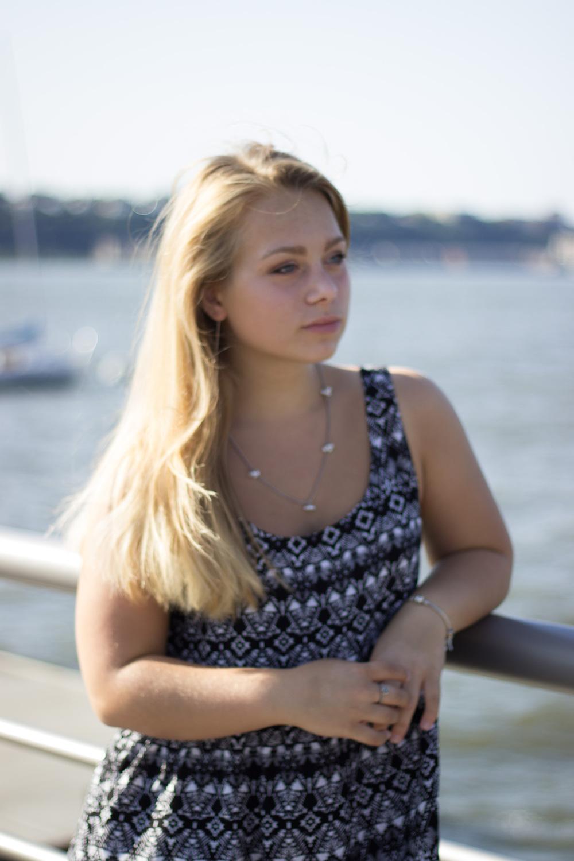 anya hudson river park pier portrait new york nyc korrelat walksmilesnap.jpg