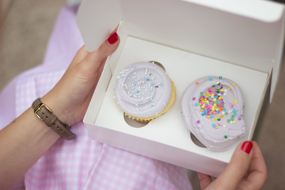 natasha west village new york portrait magnolia bakery cupcake.jpg