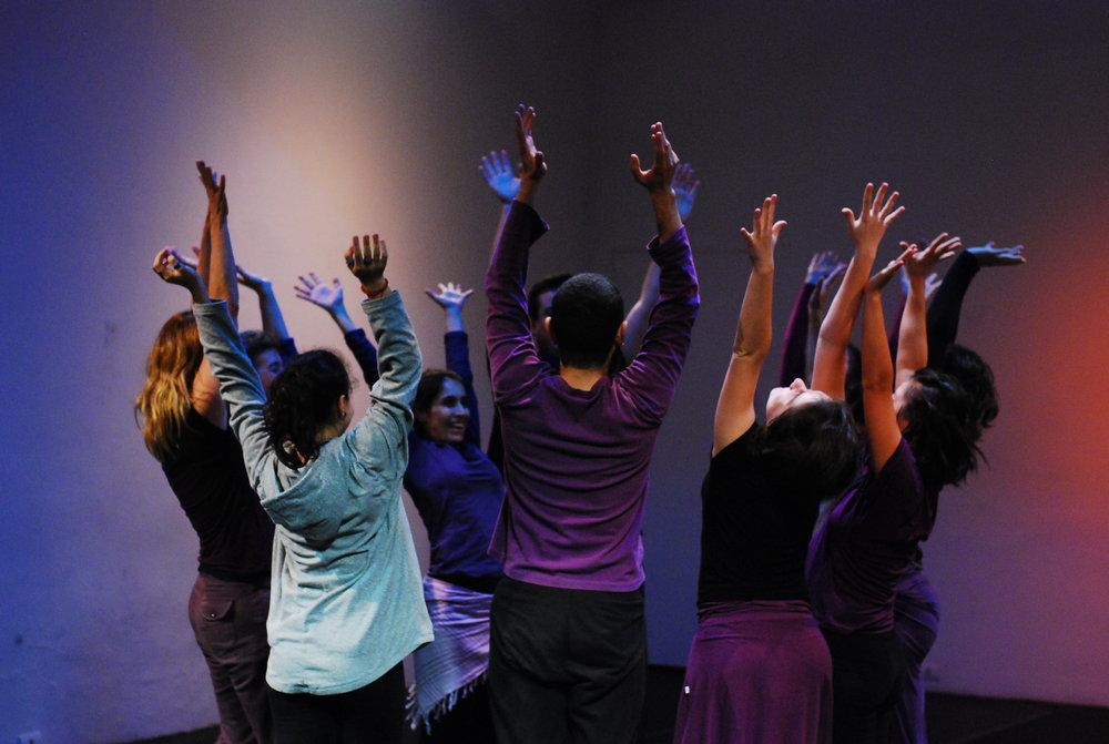 Dançar - com Profa. Dra. Isabel Marques e convidadosaula de dança para todos os corpossemanal, quintas-feiras às 18.30hinício dia 10 de agosto