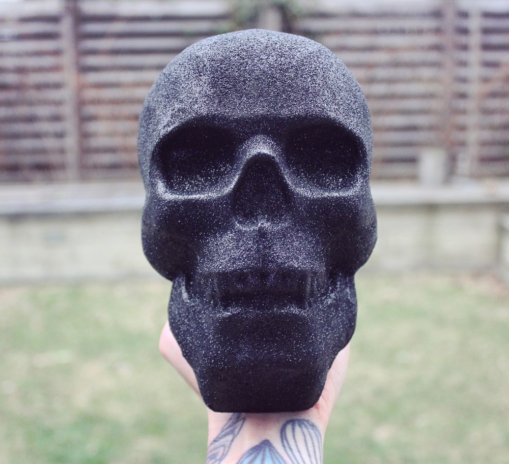 CONFECTION- skull topper.JPG