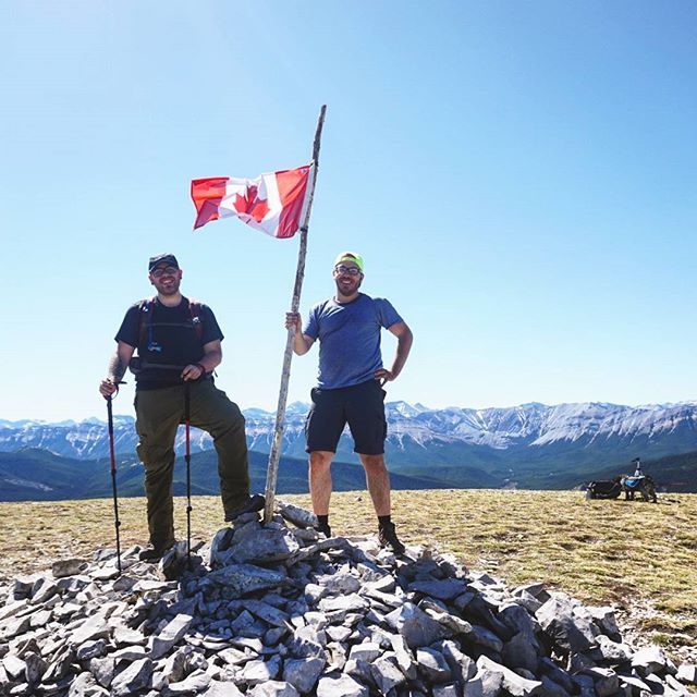 @miketru_photo and I crushed #prairiemountain today. 700m of elevation over 3.5kms on a +29 day taught us some stuff which will make our next hike even better. #travelalberta #explorealberta #getoutside #dodopeshit #hiking #hwy66 #elbowvalley