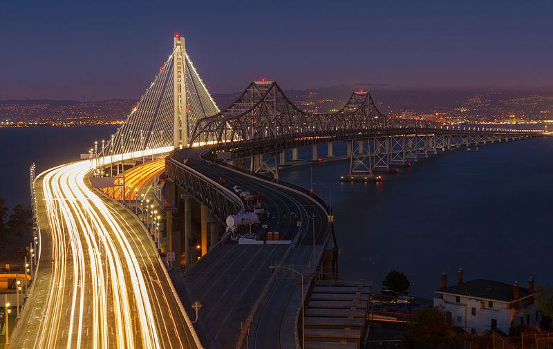 San_Francisco–Oakland_Bay_Bridge-_New_and_Old_bridges.jpg