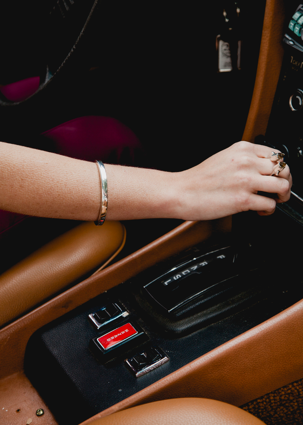 wednesday_jewellery_bracelet_shift_car