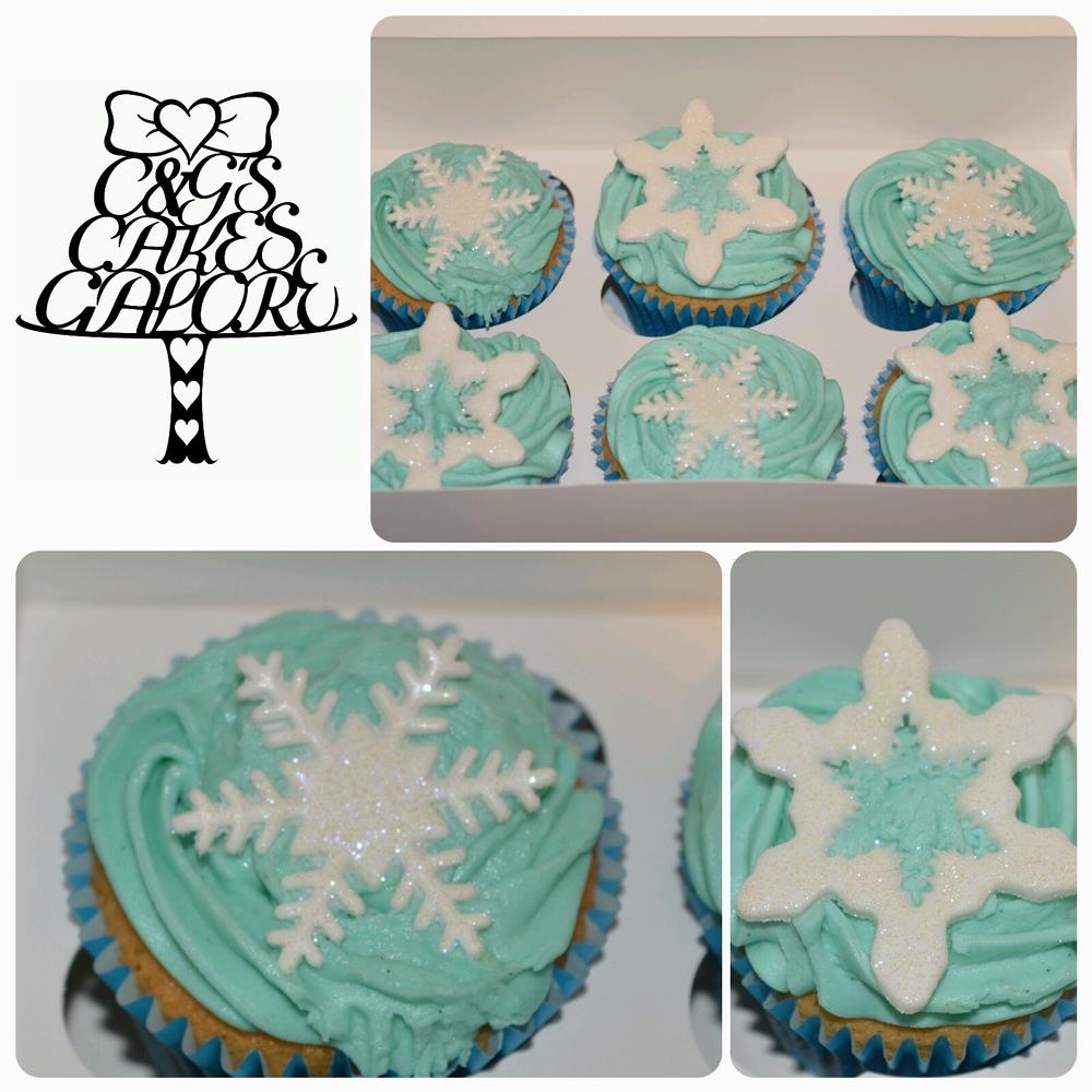 Glittery Snowflake cupcakes