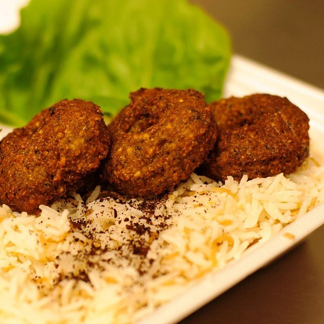 Falafel Time!  #falafel #rice #kibbeh #kibbah #middleeastern #mediterranean #kebab #shawarma #snack #snacks #appetizers #food #healthy #healthychoices #healthyfood #restaurant #kabab #kabob #kababgrill #losangelesfood #losangeles #party #hummus #safeeha #manakish #manakeesh #pizza #tasty #deliciousfood
