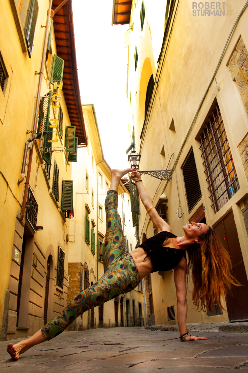 Shari hochberg in florence italy | photo by robert sturman