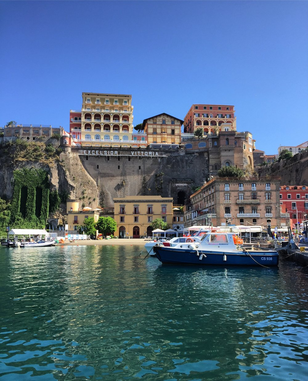 SORRENTO PORT - PHOTO BY TRAVEL ITALIAN STYLE
