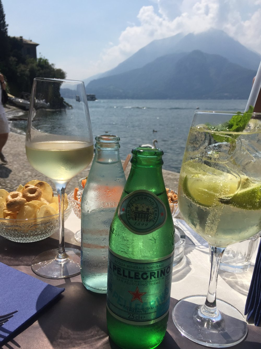 NORTHERN ITALY DAY TIME SPRITZ - PHOTO BY TRAVEL ITALIAN STYLE