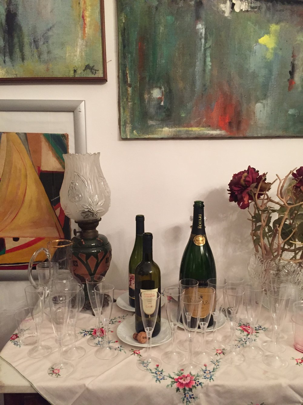 Prosecco and local wine in a typical Sicilian home PICTURE BY TRAVEL ITALIAN STYLE
