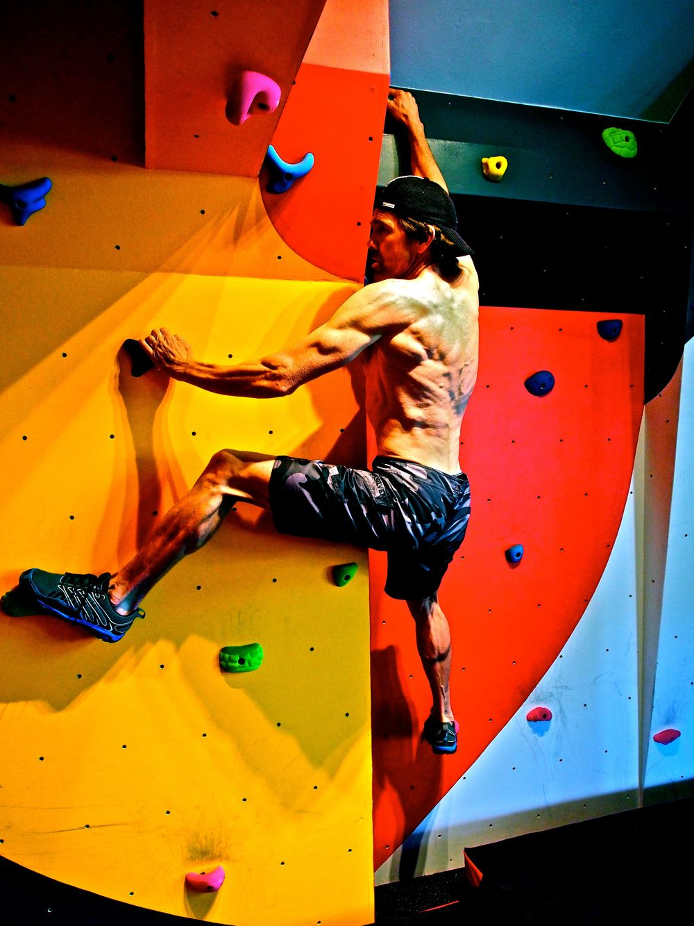 husband climbing wall 2-2.jpg