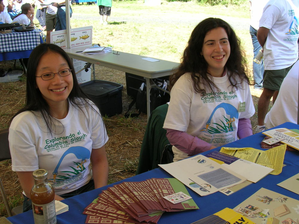 Tabling at Explorando el Slough.JPG