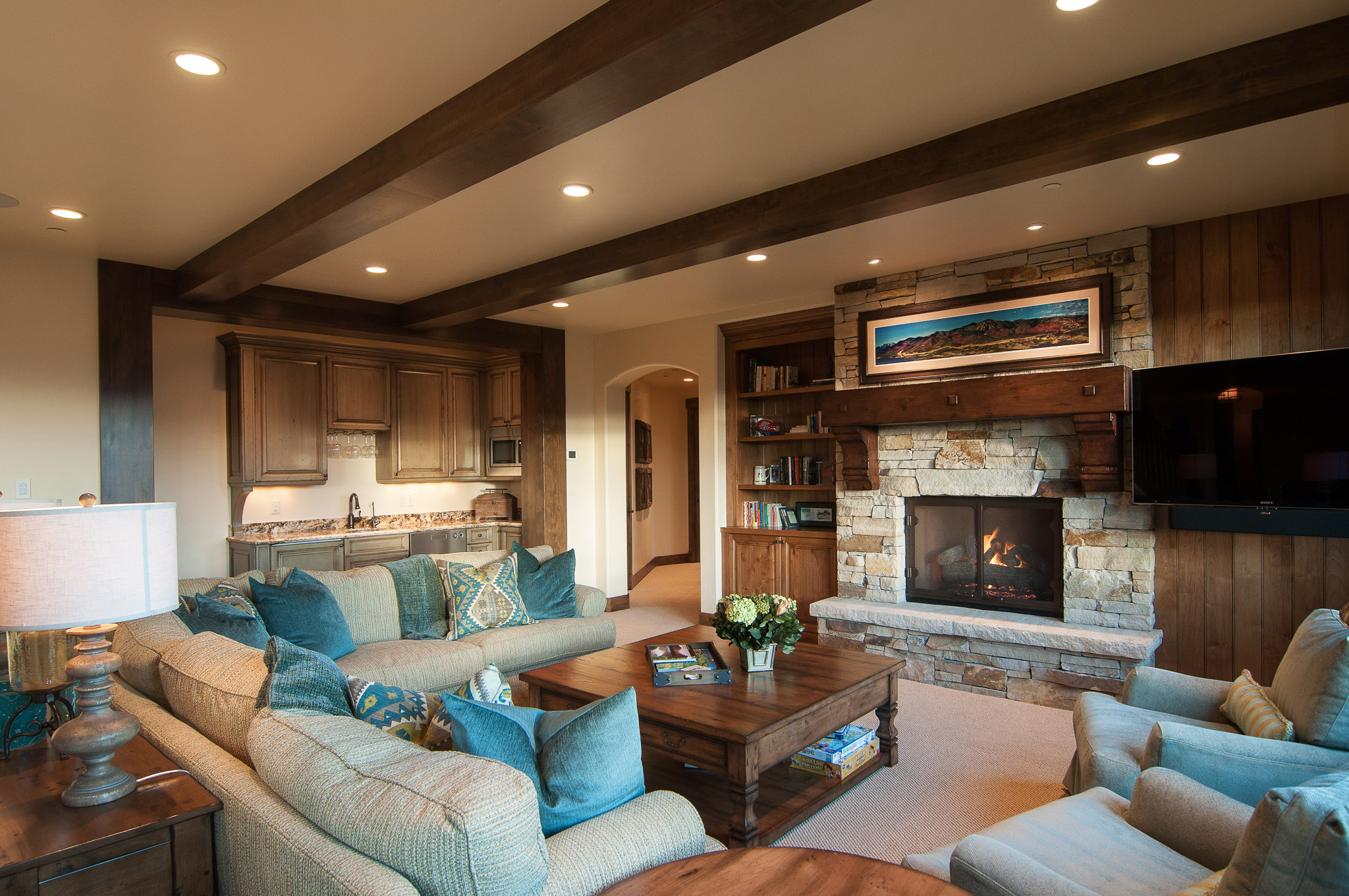 Living Room by Cameo Homes Inc. in Utah