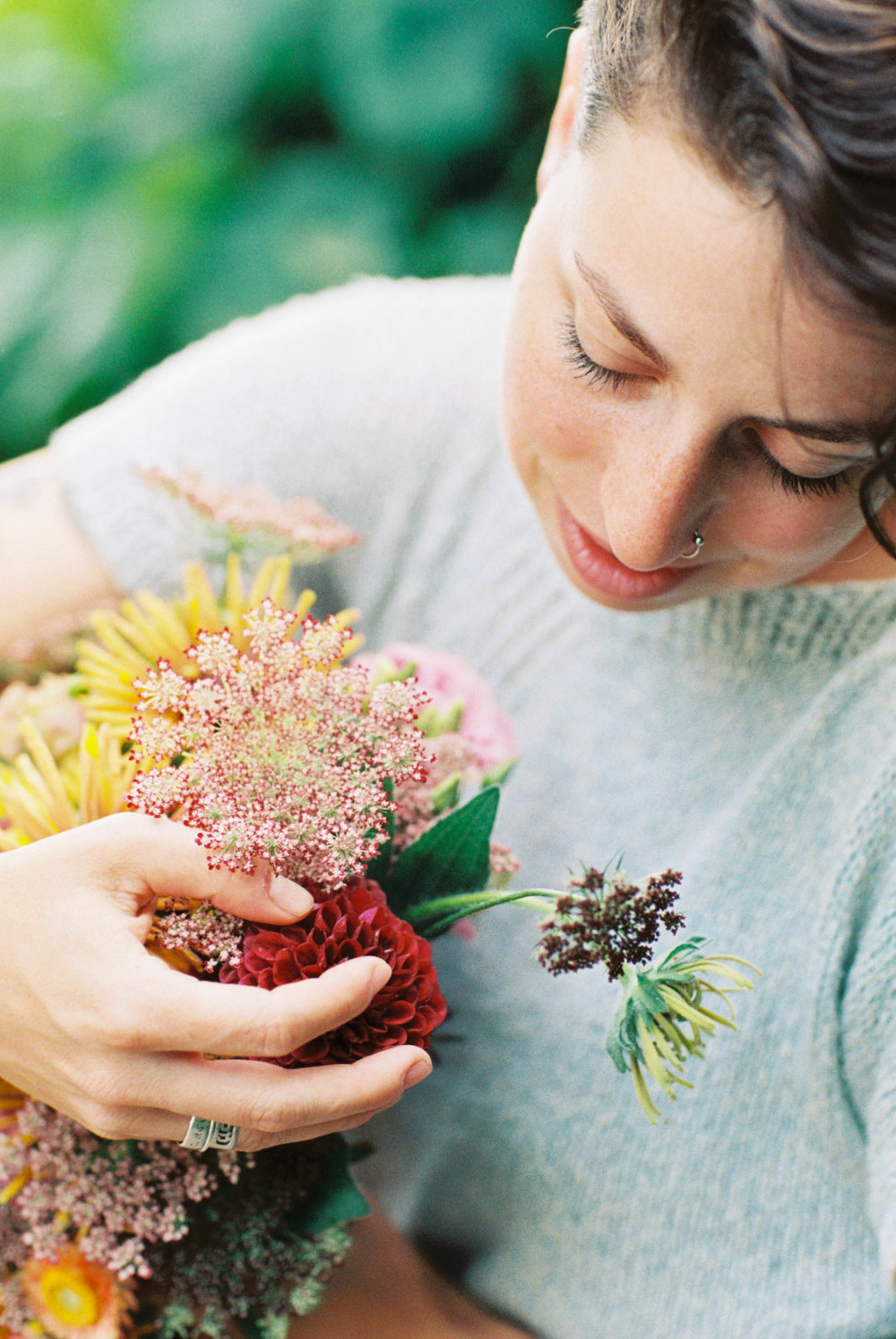 people_with_flowers_two-13.jpg