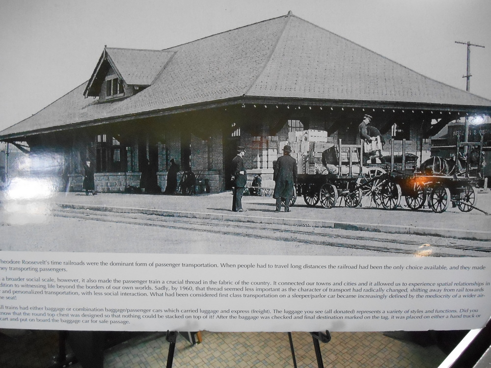 Oyster Bay Orphan Train Display 016.JPG