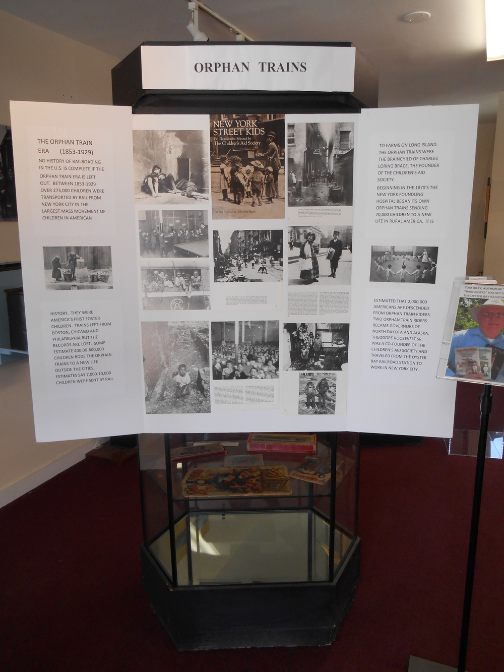 Oyster Bay Orphan Train Display 008.JPG