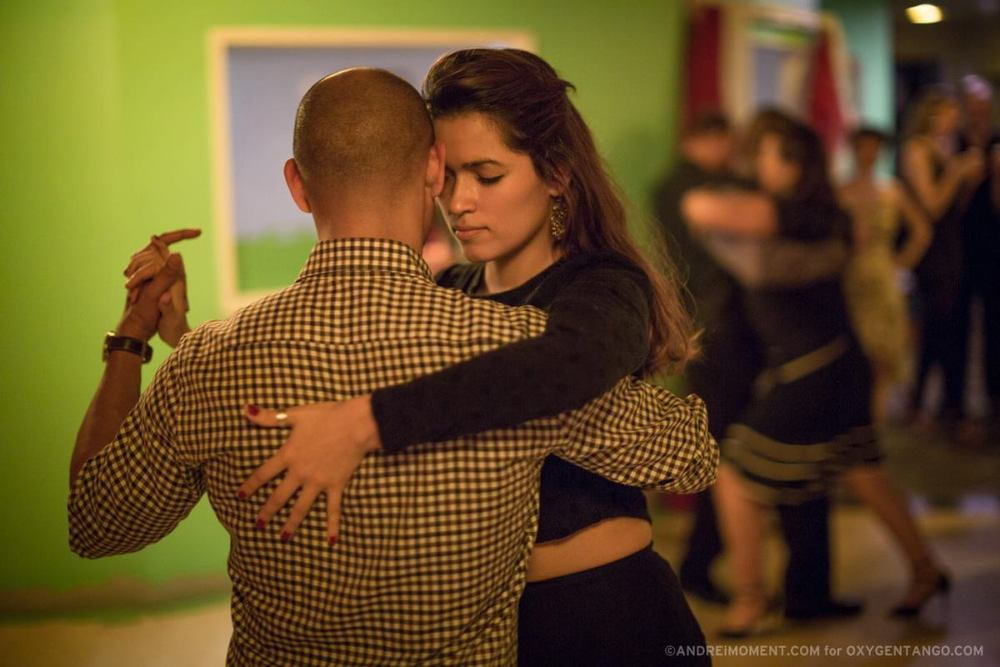 It's incredible to find focus and connection in an improvised public Tango performance