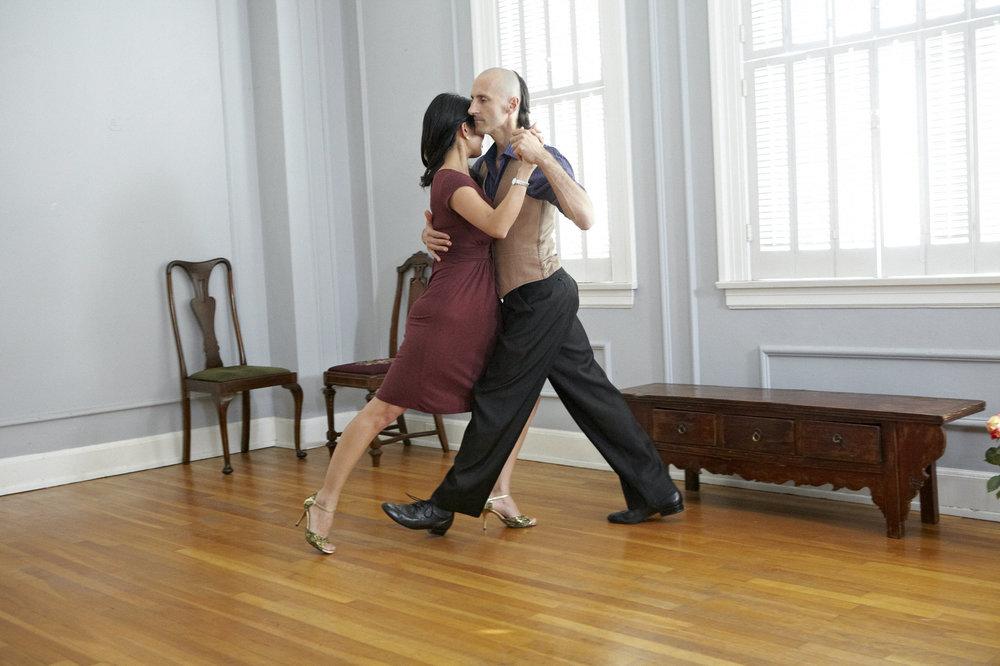 Oxygen Tango-two 32382 1.jpg