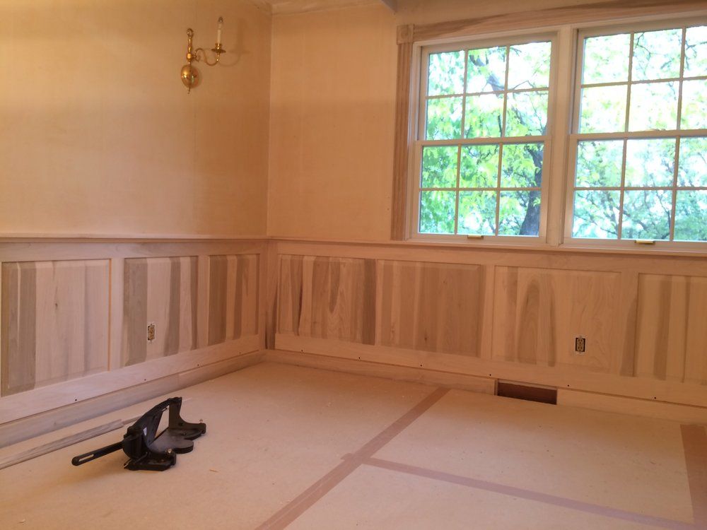 This wainscot was made in poplar.
