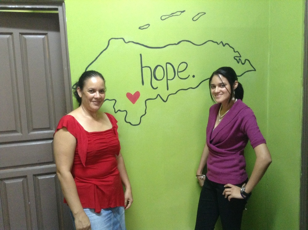 Reyna and Heydie at the Mi Esperanza Center 2014