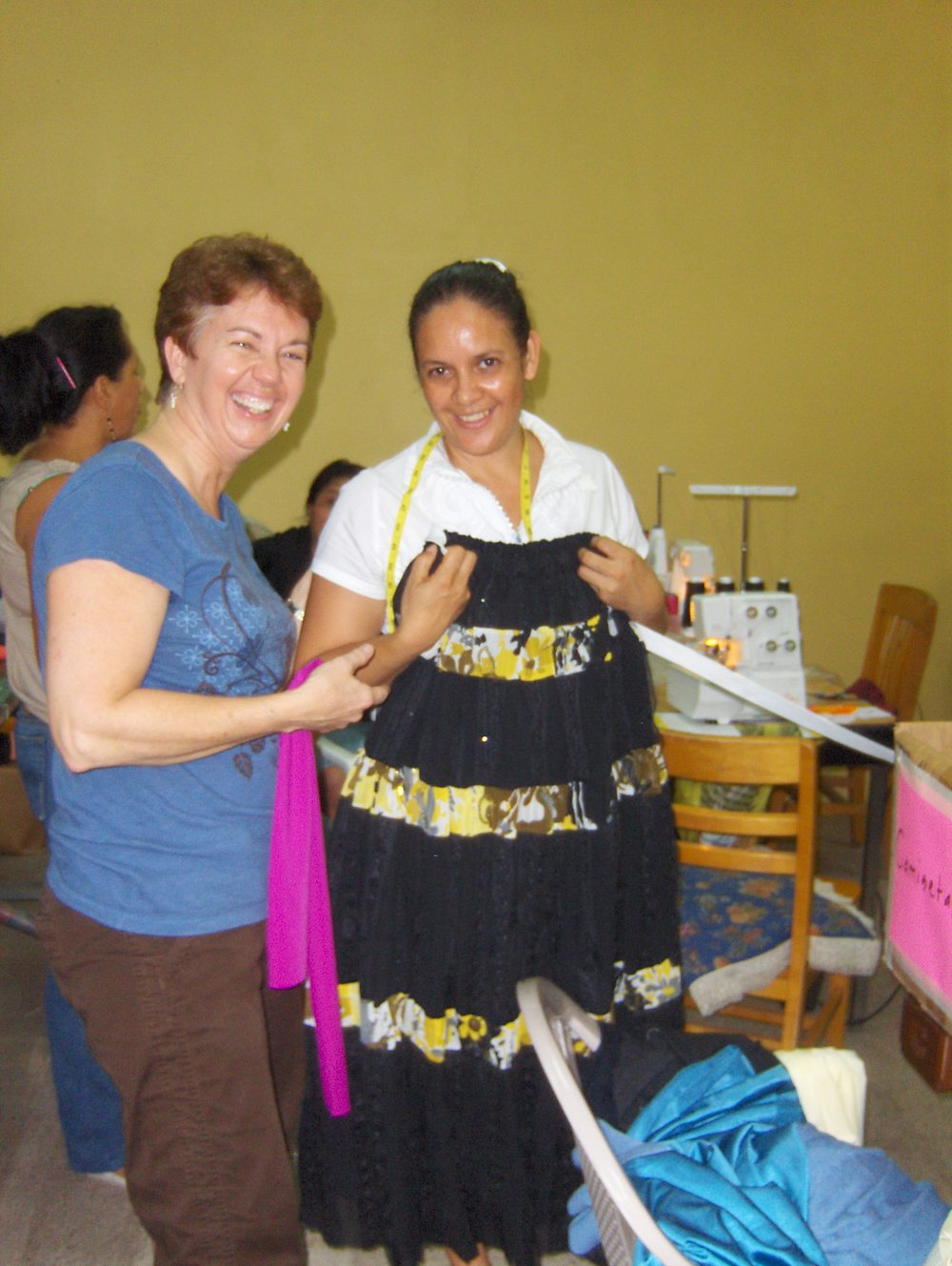 Reyna working a Mi Esperanza production 2008