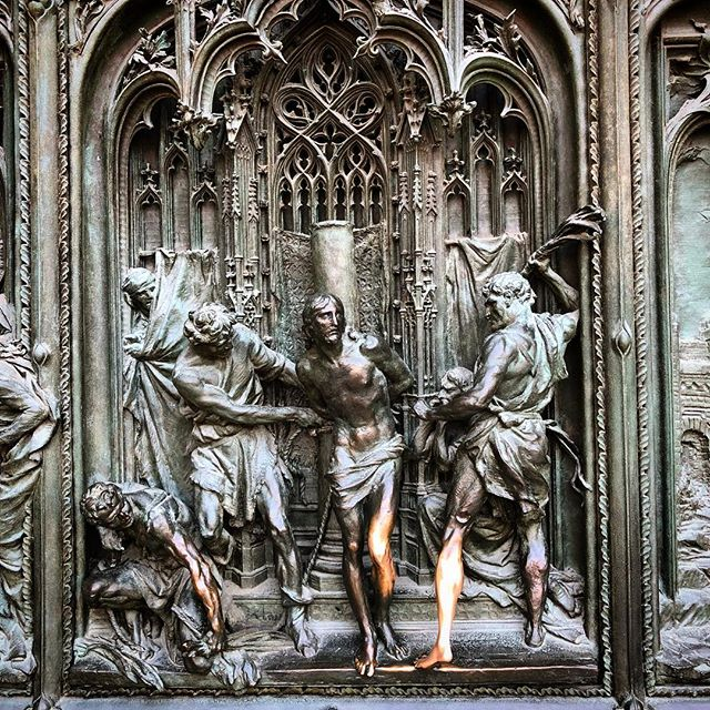 Not the standard photo of the #duomo in #milano but a detail shot of the gorgeous bronze door. What a great week for #MDW2018 and excited to share the new collaborations coming soon.  #milan #design #details #australiandesign #collaboration #bronze #milandesignweek #italy