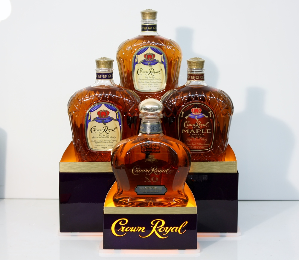Crown Royal 4 Bottle Glorifier 003.JPG