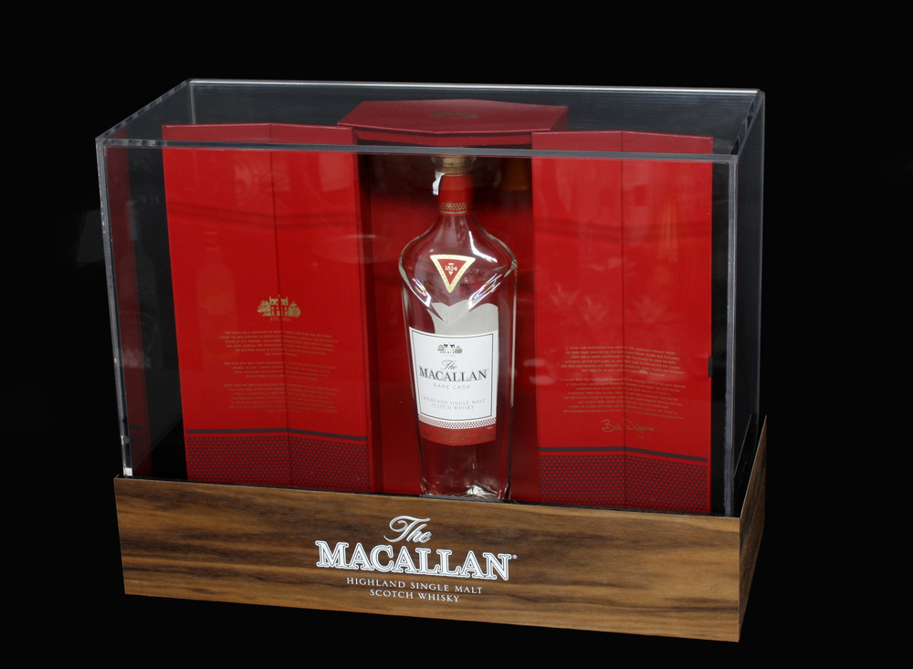 Macallan Display Case 001.jpg