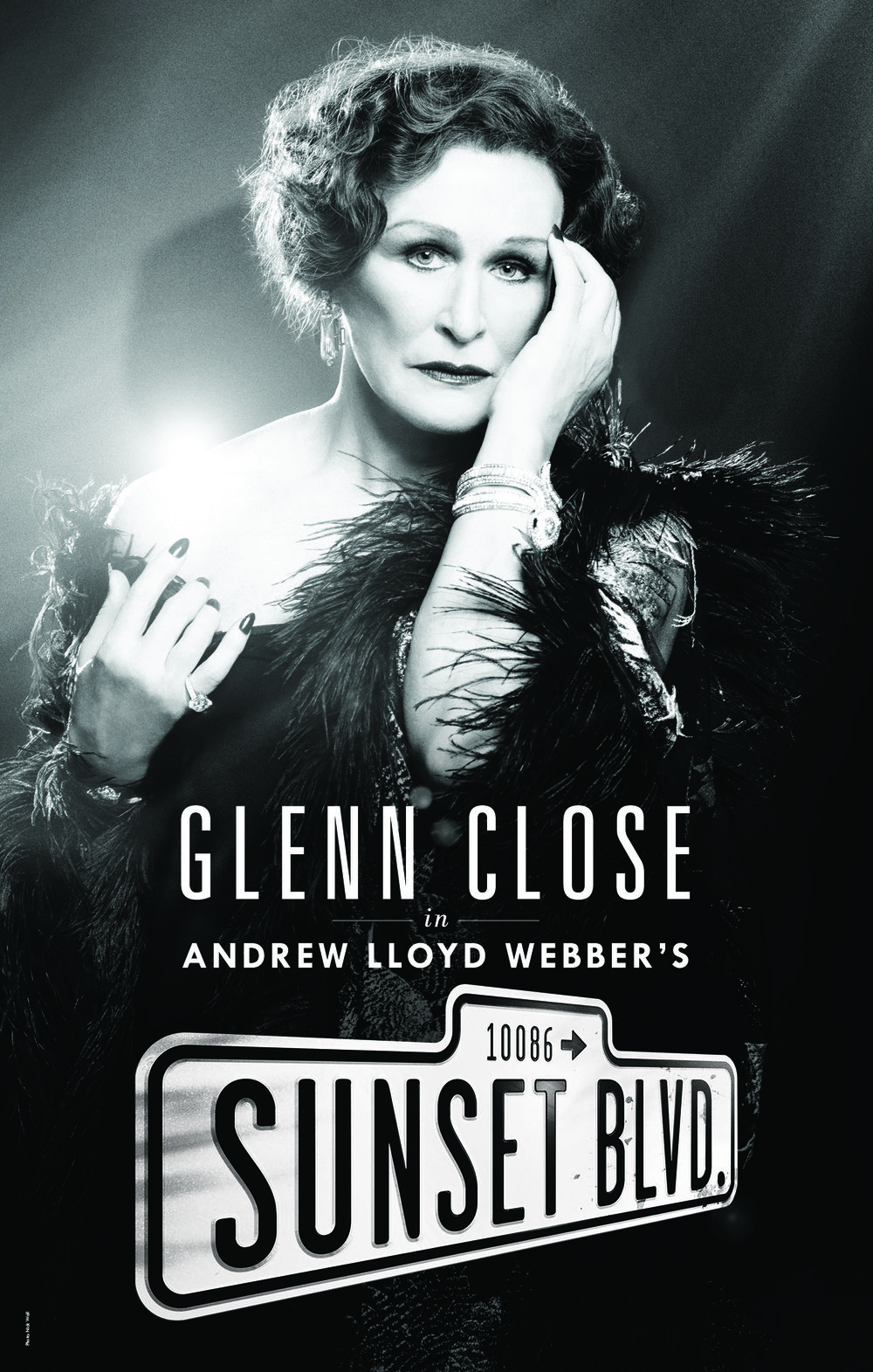 Key-art design, art direction and execution for the 2016 revival of Glenn Close in Sunset Boulevard.  Creative Direction: Vinny Sainato, Tom Callahan Photograph: Nick Wall