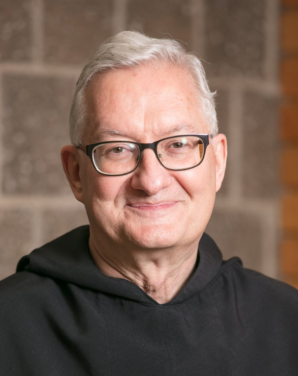 Fr. Joe Narog, O.S.A.  Eastern Province/  Latinos Interesados