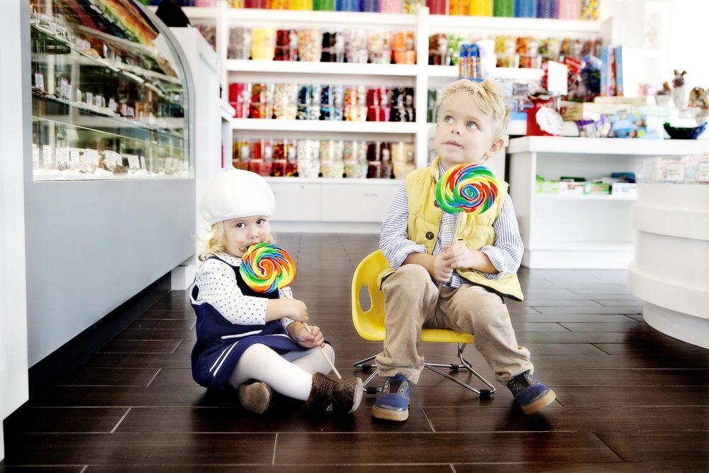 033_0217-C0004-Farrah-candy-storeT.jpg
