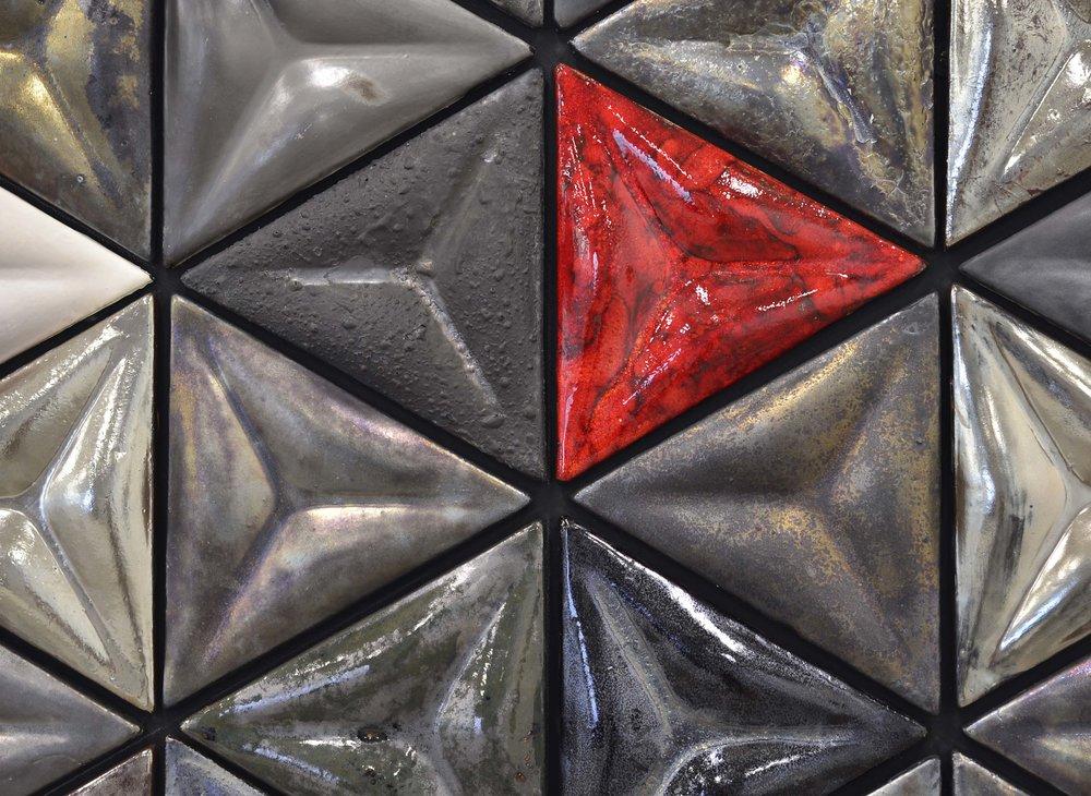 Tesseract II, Detail