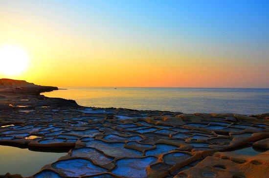 sunset-at-xwejni-saltpans.jpg