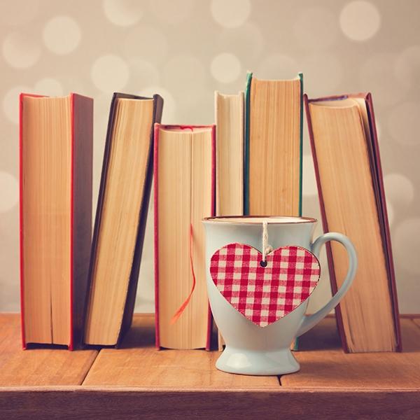 Booksheartmug-600