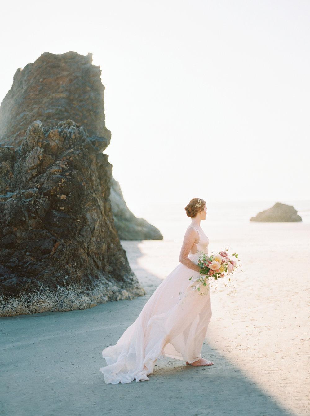 Niagara Fine Art Wedding Photographer - Cannon Beach, Oregon