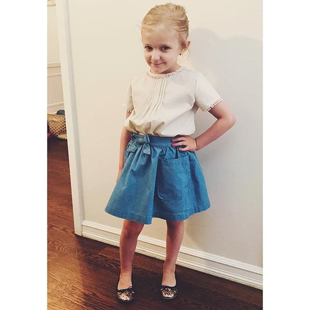 Nothing like a classic denim skirt. Happy Sunday everyone! Skirt @jcrew blouse @epkstore