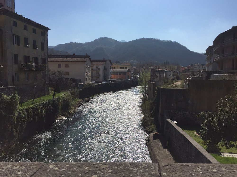 On a stroll through Castelnuovo di Garfagnana after lunch.
