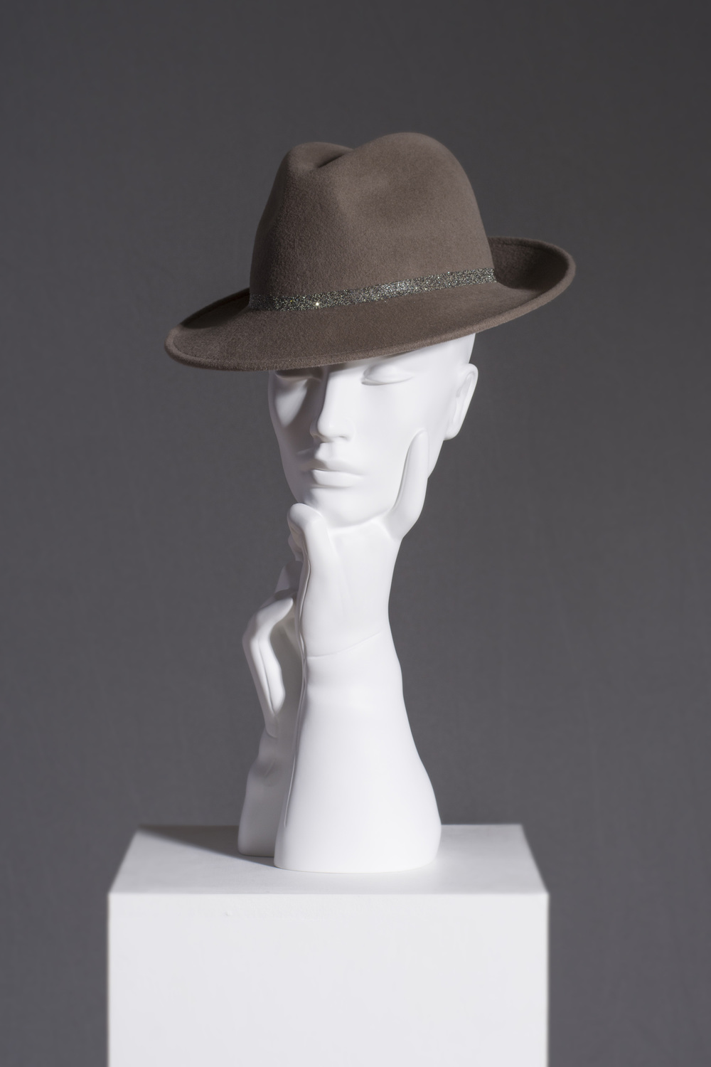 AW16/14 CRYSTAL BAND TRILBY