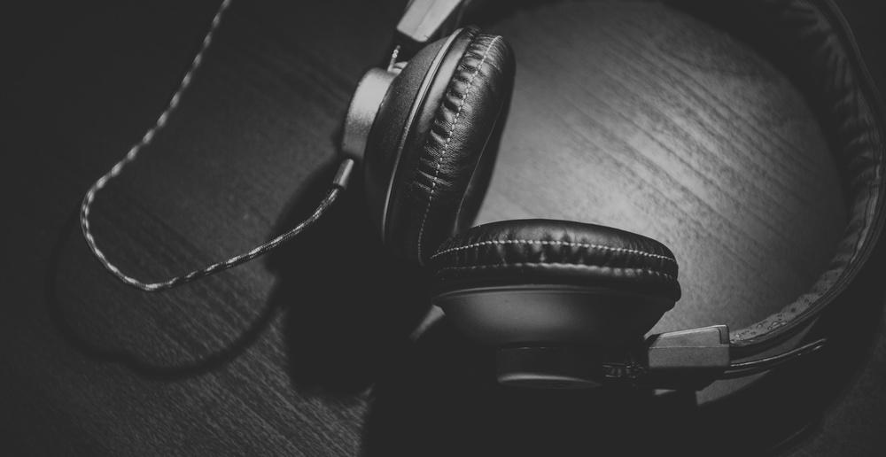 noise headphones.jpg