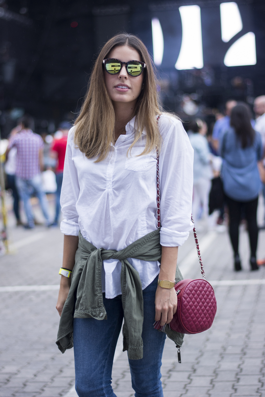Lissa Barquero luciendo un look effortless chic.